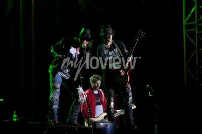 Fototapete Guns N 'Roses spielt beim Musikfestival EXIT 2012