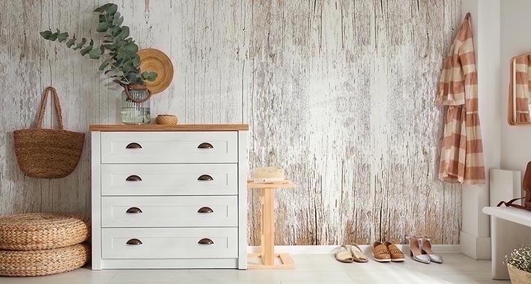 Holz an der Wand – eine kuschelige Lösung im Nu