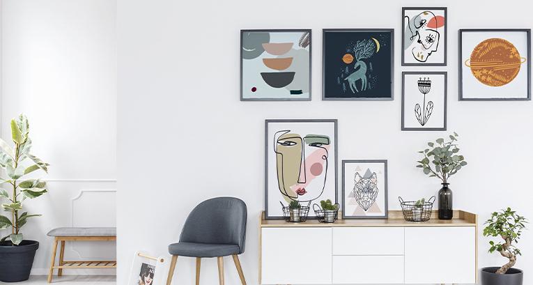 Gallery Wall in 5 Ausführungen - dekorieren Sie das Zimmer nach Ihrer Art