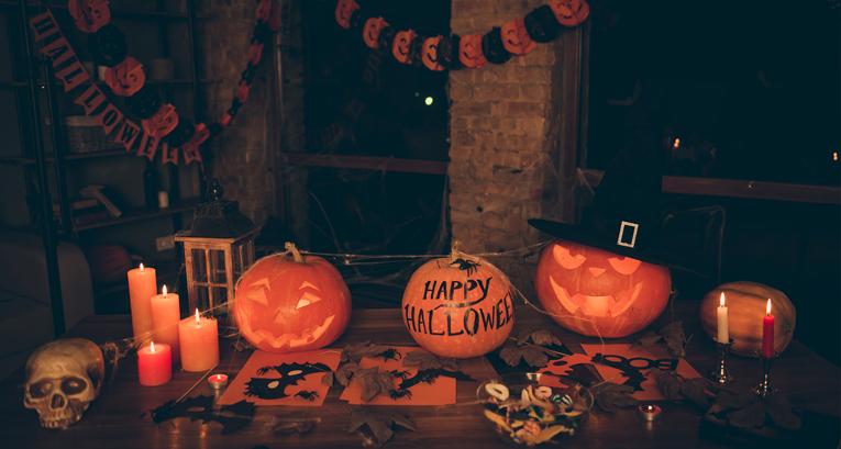 Halloween-Dekoration - eine Dekoration, die jedem das Blut in den Adern gefrieren lässt!