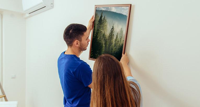 Wie hängt man Poster an die Wand? Ein Rahmen ist nur eine Option von vielen!