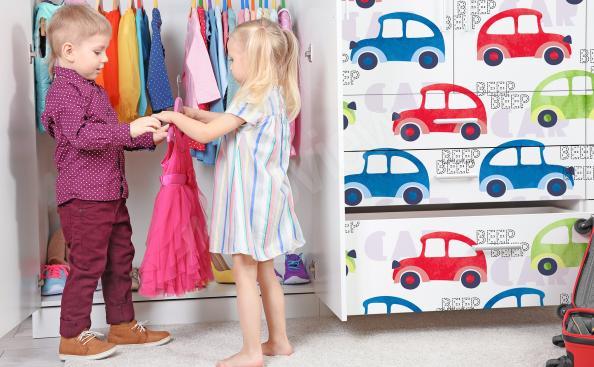 Sticker Autos Kleiderschrank