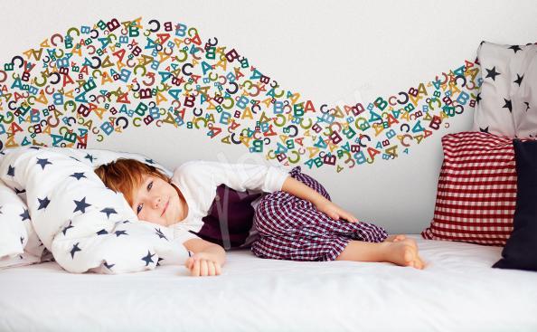 Sticker fürs Schlafzimmer bunte Buchstaben