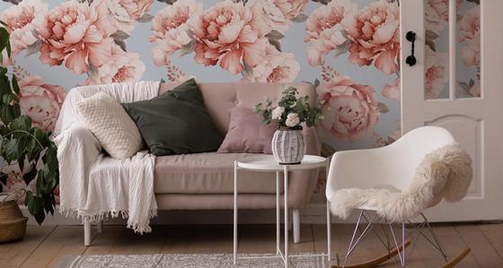 Tapete mit Blumenmuster im Wohnzimmer – 7 einzigartige Designs, die eine Überlegung wert sind