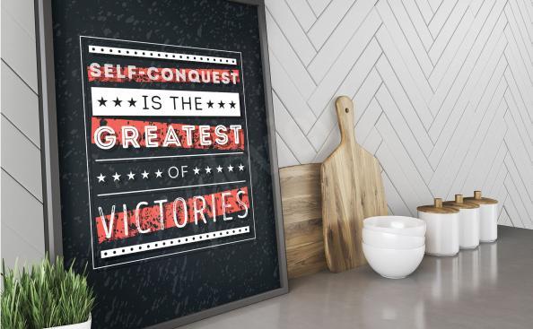 Typografische Plakate an der Wand
